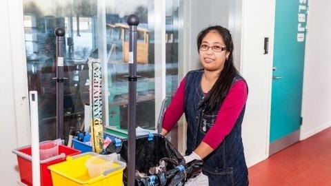 Rengøringsassistent fra Horsens kommune er fuldt tilfreds med Adiatek gulvaskemaskiner fra Curantteknik.dk